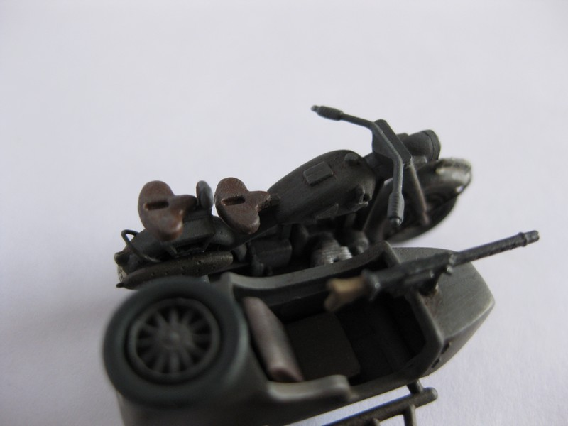 BMW R-75 Side-car [Hasegawa ; 1/72]: une petite chose. Photo207
