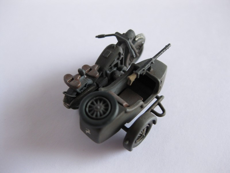 BMW R-75 Side-car [Hasegawa ; 1/72]: une petite chose. Photo208