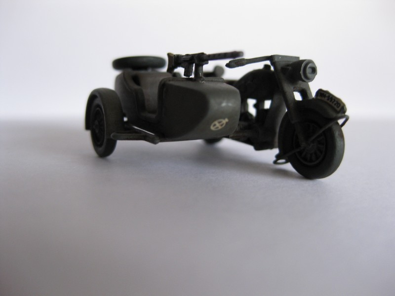 BMW R-75 Side-car [Hasegawa ; 1/72]: une petite chose. Photo209