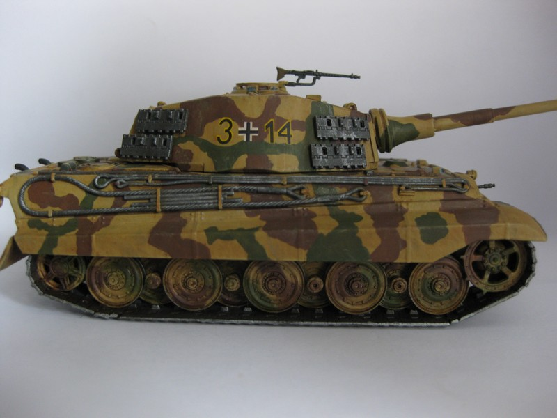 Tiger II Ausf. B Production Turret [Revell, 1/72 ]: FINI! (Ouf!) - Page 4 Photo243