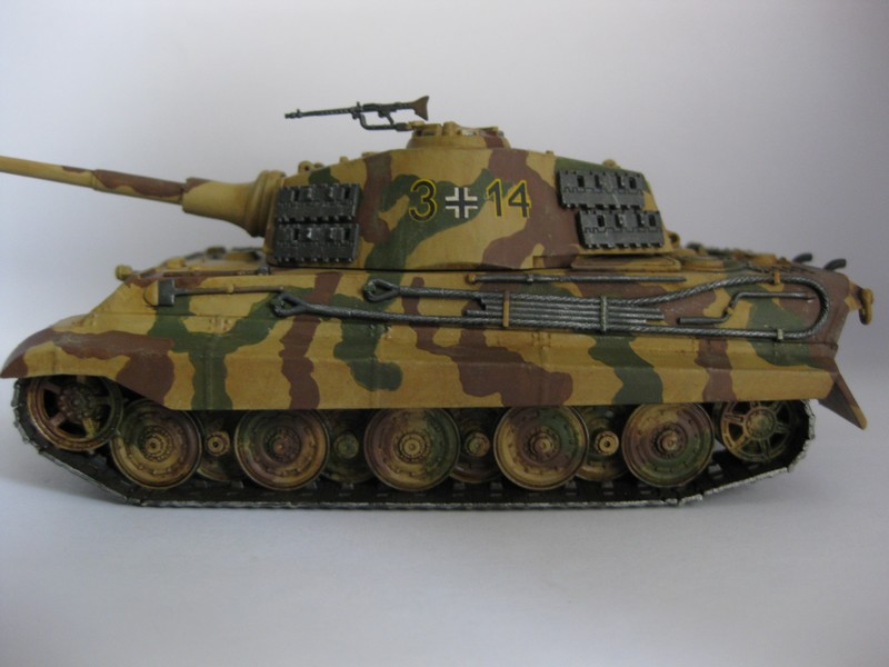 Tiger II Ausf. B Production Turret [Revell, 1/72 ]: FINI! (Ouf!) - Page 4 Photo245