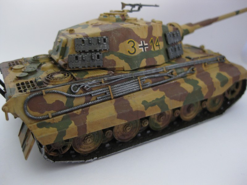Tiger II Ausf. B Production Turret [Revell, 1/72 ]: FINI! (Ouf!) - Page 4 Photo247