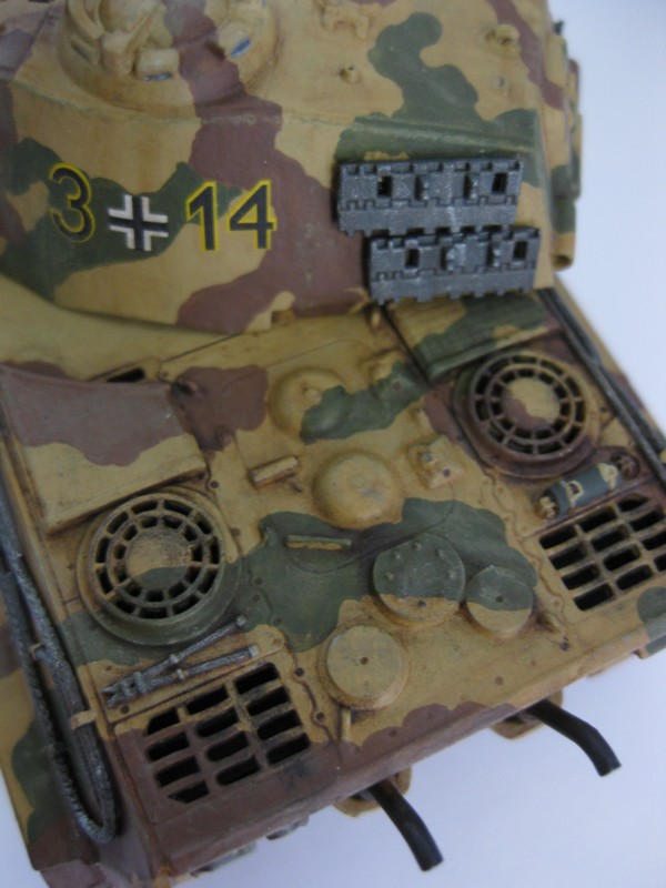 Tiger II Ausf. B Production Turret [Revell, 1/72 ]: FINI! (Ouf!) - Page 4 Photo250