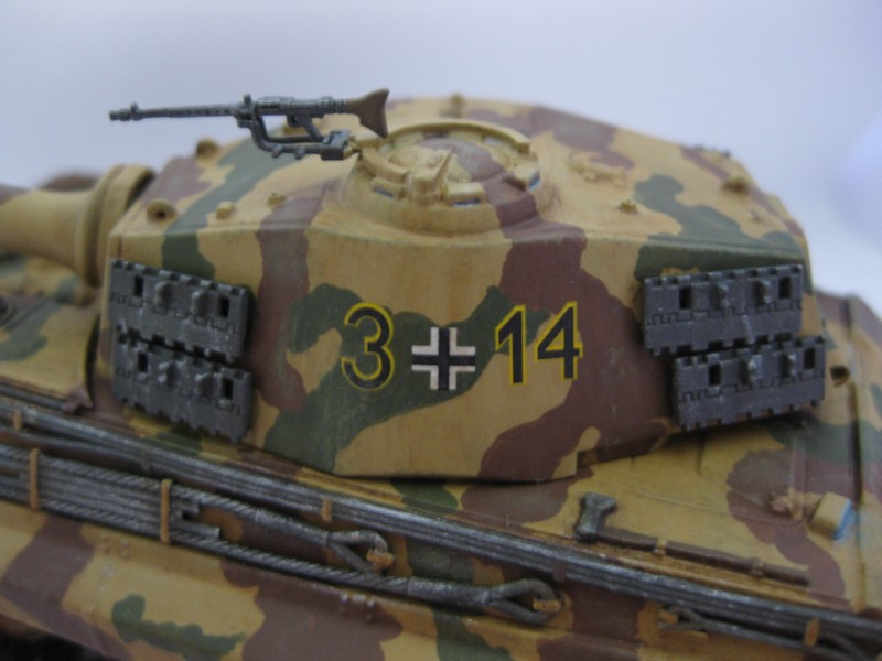 Tiger II Ausf. B Production Turret [Revell, 1/72 ]: FINI! (Ouf!) - Page 4 Photo252