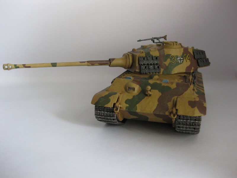 Tiger II Ausf. B Production Turret [Revell, 1/72 ]: FINI! (Ouf!) - Page 4 Photo254