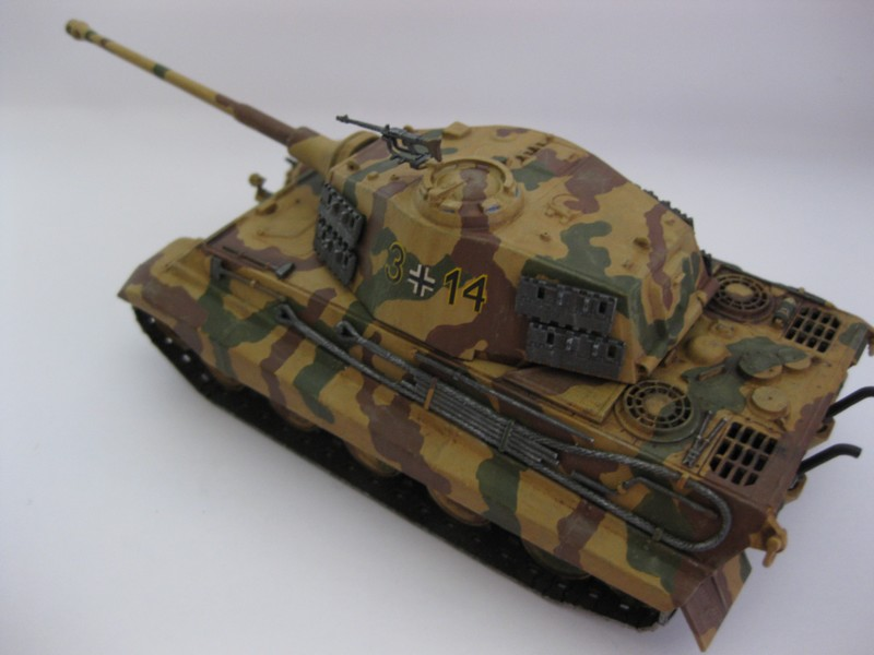 Tiger II Ausf. B Production Turret [Revell, 1/72 ]: FINI! (Ouf!) - Page 4 Photo256