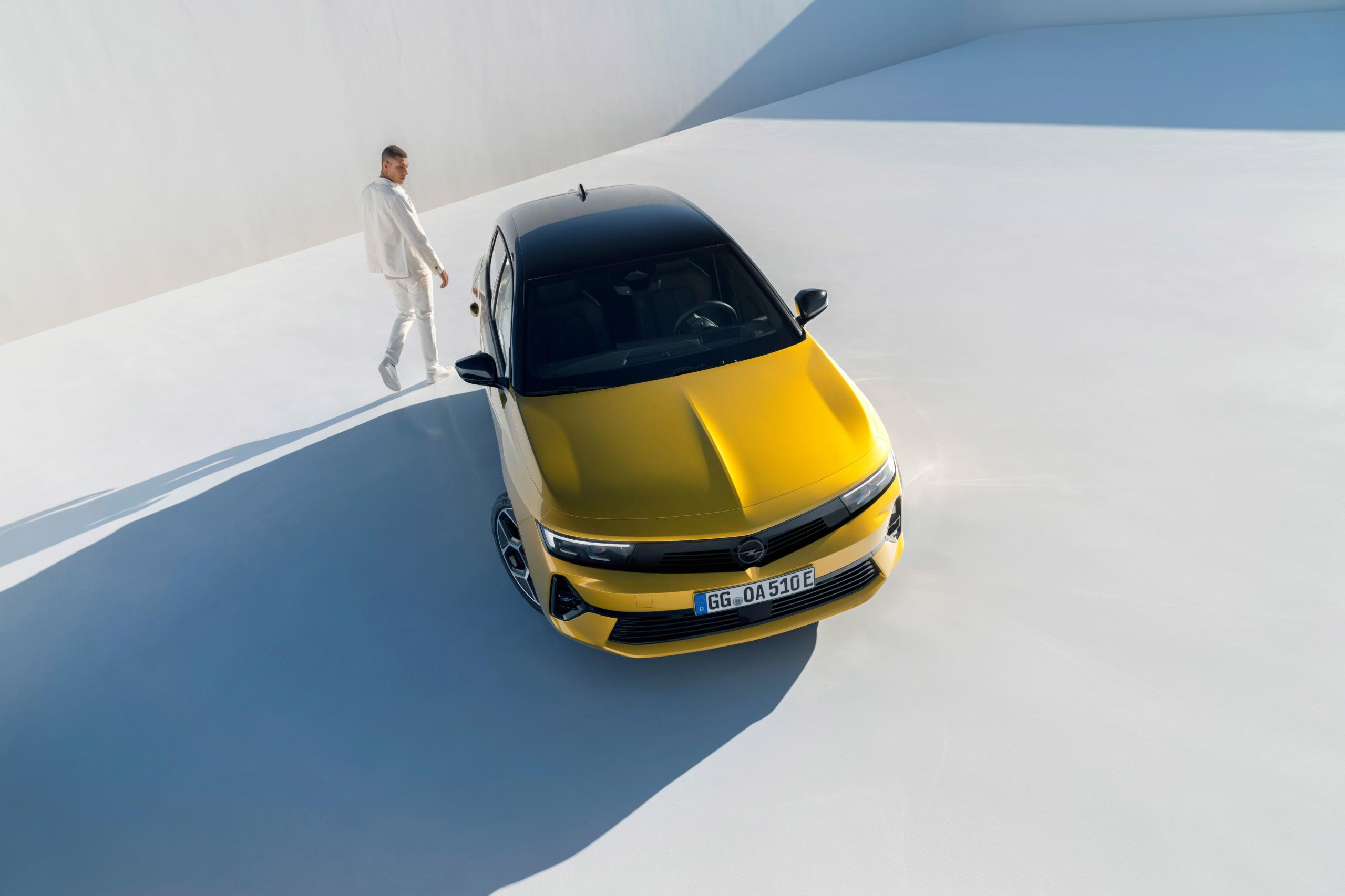 Fotos alta definición Opel Astra L  19-ope10