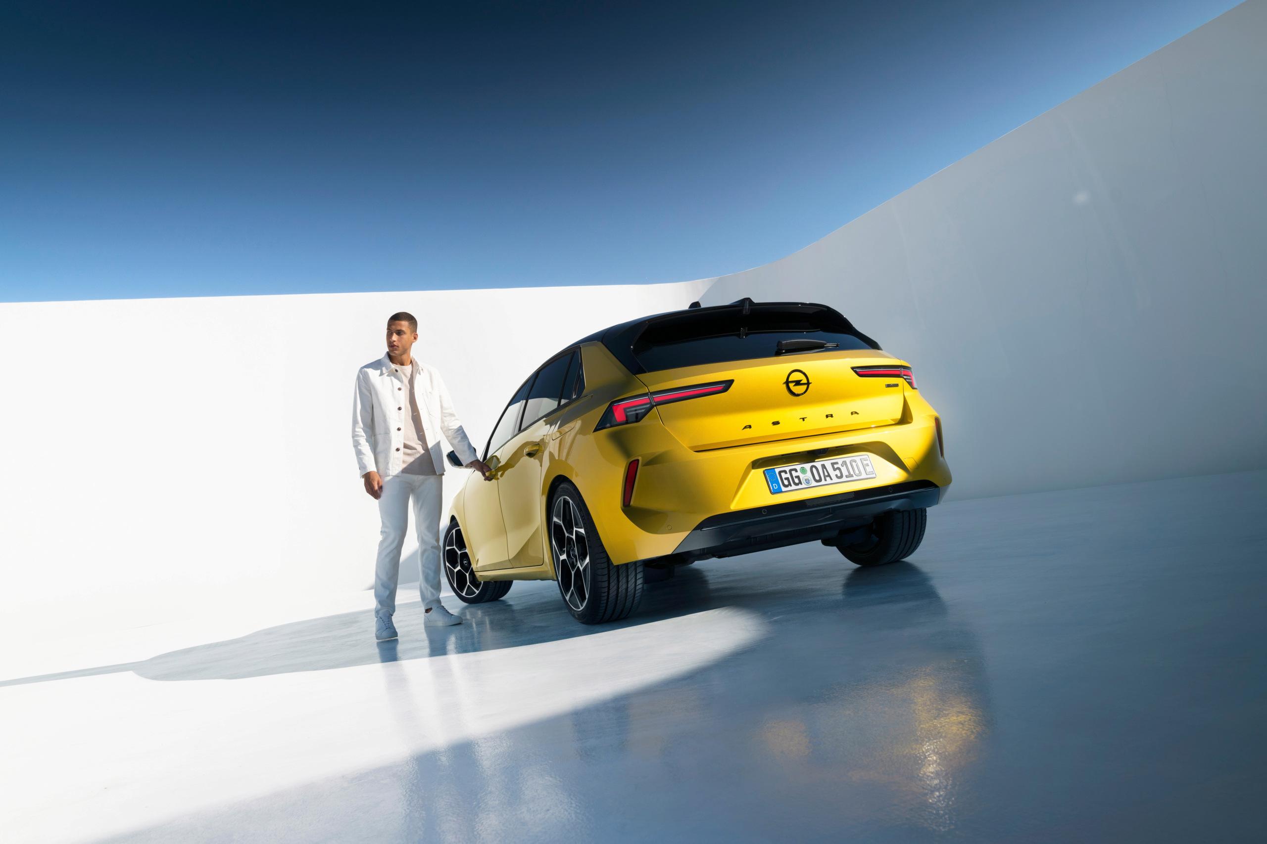 Fotos alta definición Opel Astra L  20-ope10