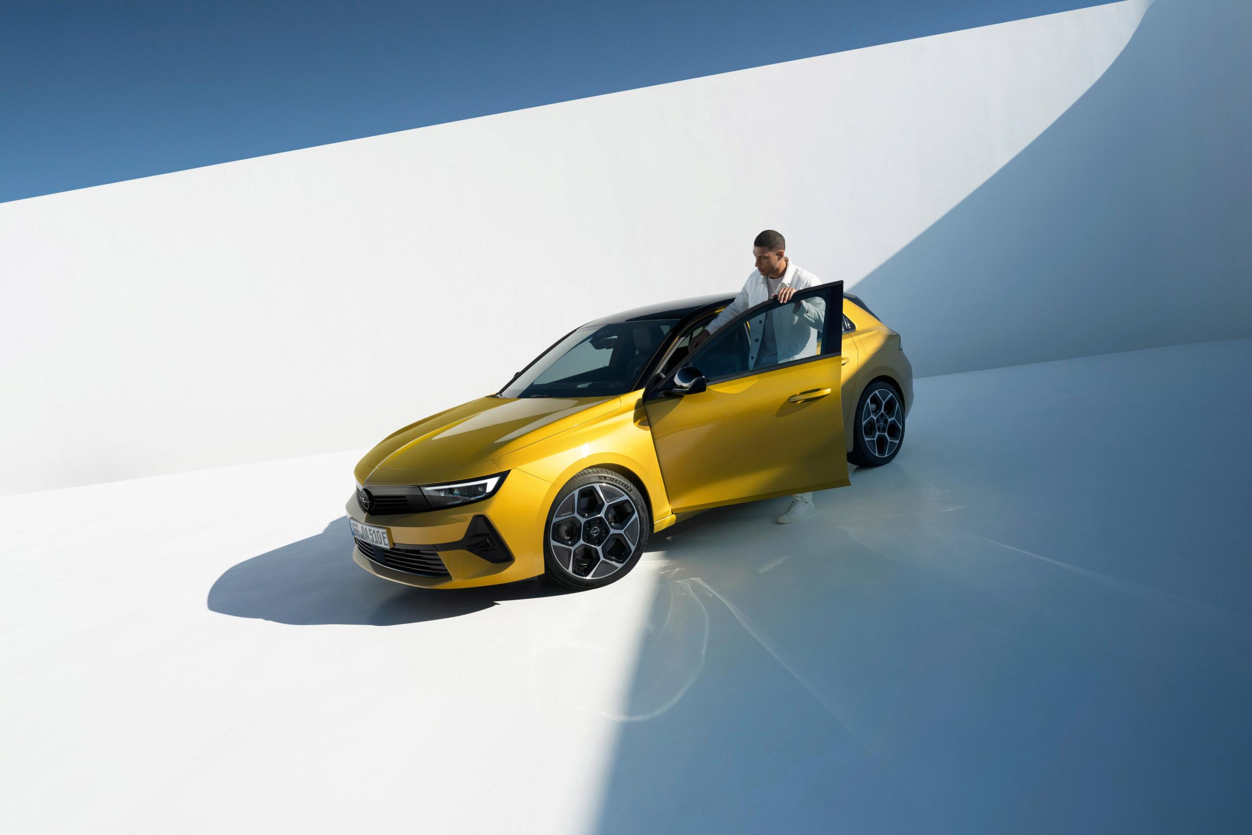 Fotos alta definición Opel Astra L  22-ope10