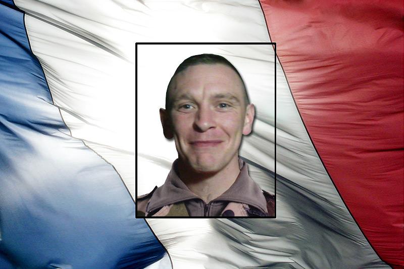 Deux soldats français sont morts vendredi 10 juin  2011en Afghanistan ( 60 et 61°mort en mission :Le lieutenant Matthieu Gaudin et Le caporal-chef Lionel Chevalier ) Capora10