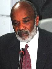 Préval serait d'avis que l'Inité supporte le gouvernement de Martelly  Gimg1913
