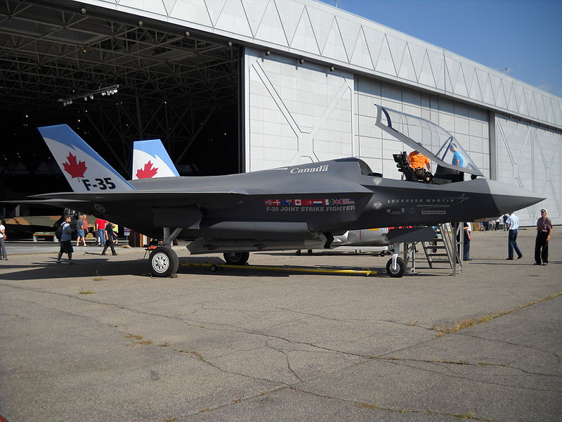 F-35 Joint Strike Fighter 800px-10