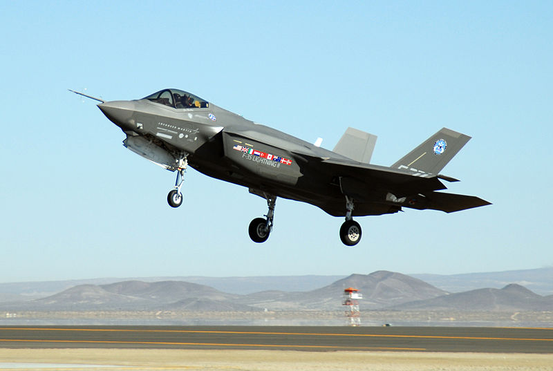 F-35 Joint Strike Fighter 800px-11