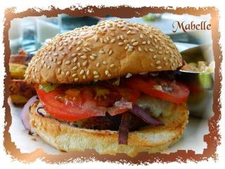 Hamburger du In-N-Out avec sauce spéciale Dscn0310
