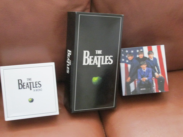 VARIOUS BEATLES ITEMS 3_boxe10