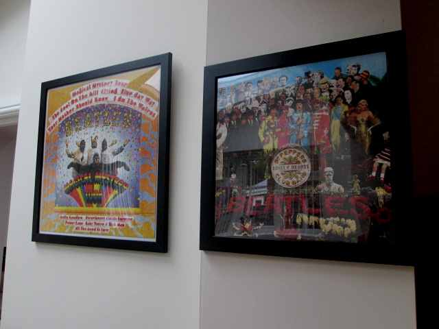 VARIOUS BEATLES ITEMS B01_510