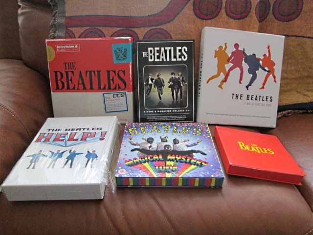 VARIOUS BEATLES ITEMS Img_0016