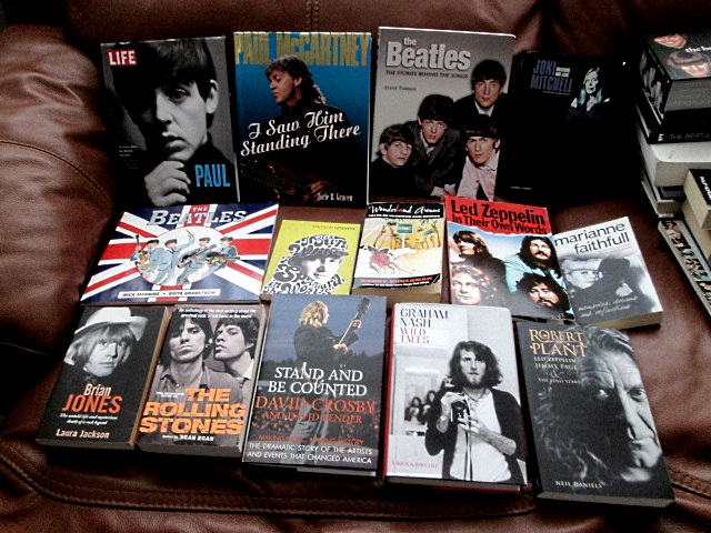 VARIOUS BEATLES ITEMS Img_8615