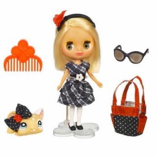 Petite Blythe & Littlest Pet Shop 9023e210