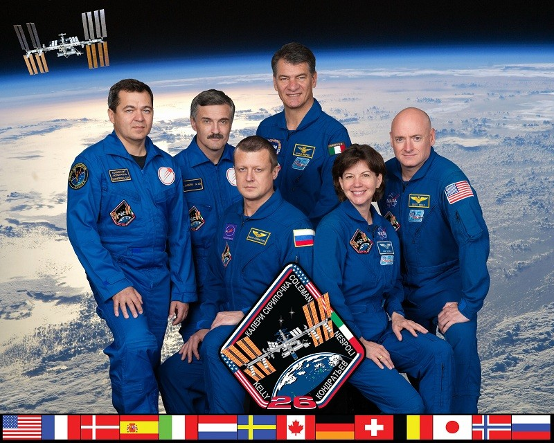 Les Nouvelles de l'espace - Page 3 Iss02610