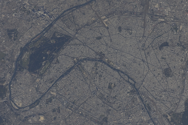 Les Nouvelles de l'espace - Page 7 Paris10