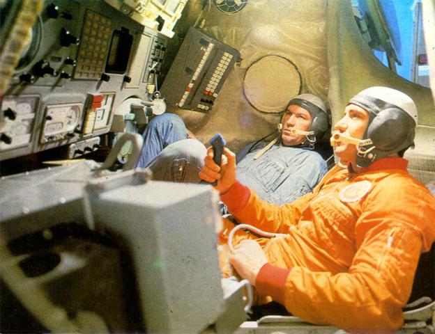 Les Nouvelles de l'espace - Page 7 Soyuz210