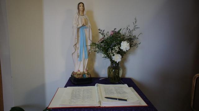 TEJ YAM TSEEM CEEB NYOB HAUV TSEV TEEV NTUJ ROMAN CATHOLIC  - Page 2 Dsc00810