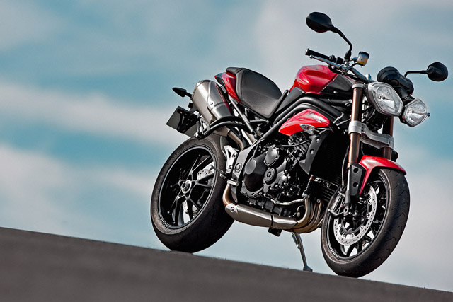 nouveau SPEED TRIPLE 2011 Triump10