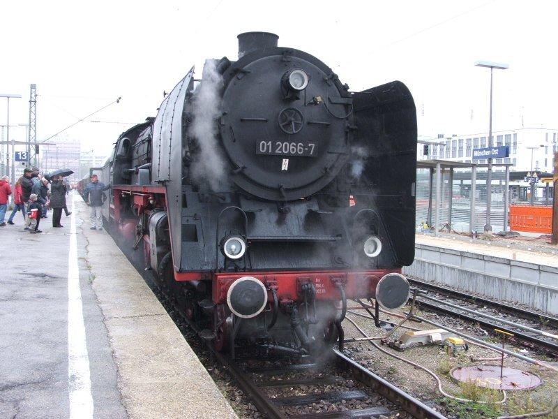 Zwei Pazifics der deutschen Bahnen: BR 01 und 03 - Seite 3 Dscf6561