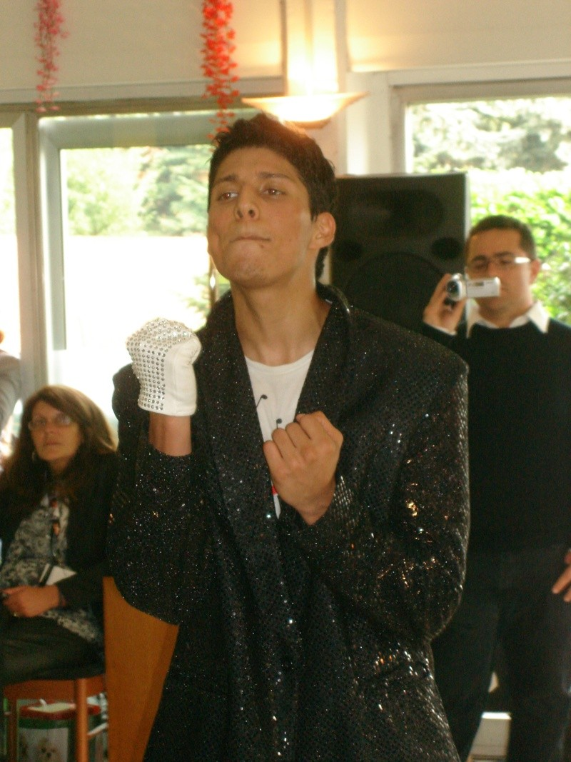 [RESOCONTO] Mostra a Milano dedicata a Michael Jackson - Pagina 12 Dsc01013