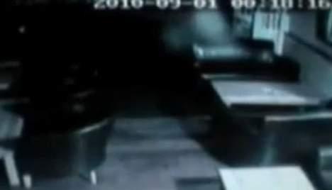 Un fantôme filmé dans un pub anglais?  Media_28
