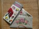 ***PHOTOS - enveloppes brodées avec des roses*** 2011-o17