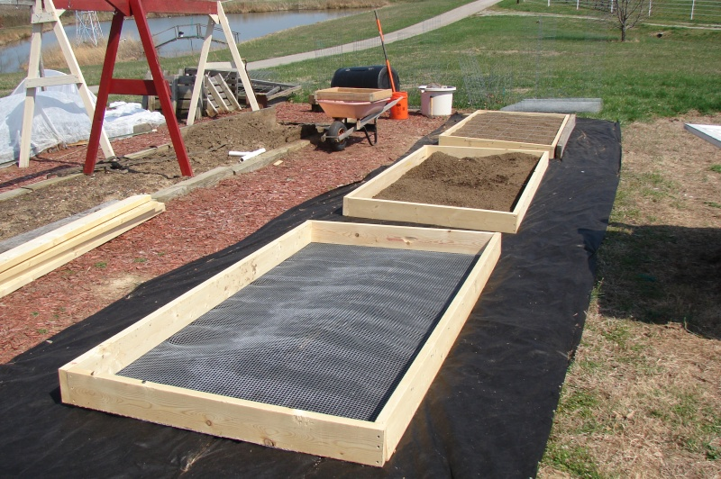 New beds and new trellis pictures from Knob Hill Dsc03510