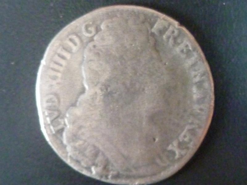 Louis XIIII quart d'écu aux 3 couronnes frappé à Besançon P1000511