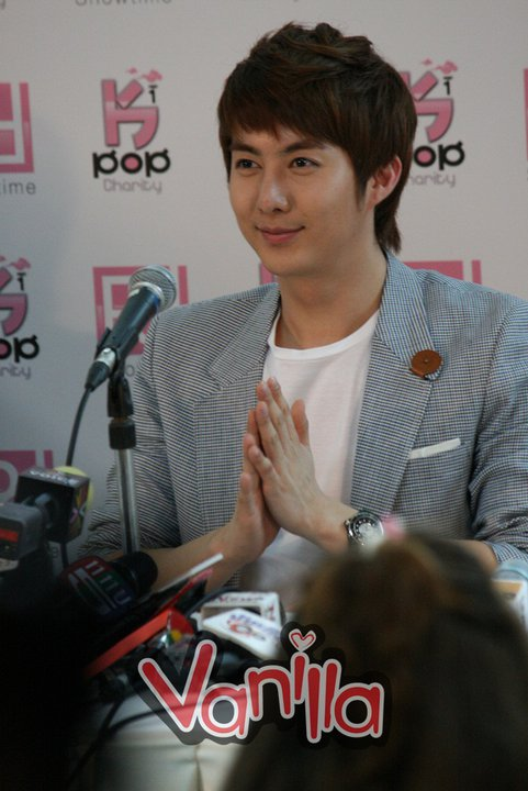 [photos] More Hyung Jun @Charity Concert Press Conference photos Ck410