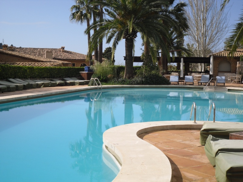 La Residencia Hotel Holida23