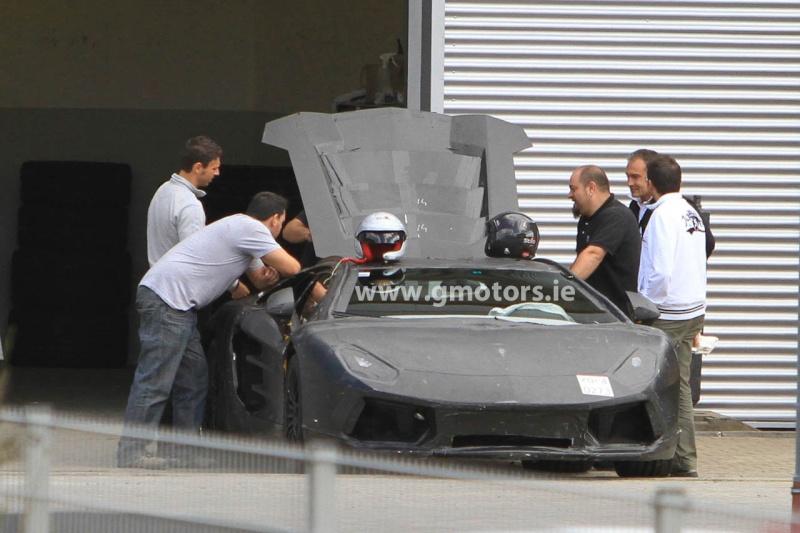 2011 - [Lamborghini] Aventador LP700-4 - Page 4 2011-l11