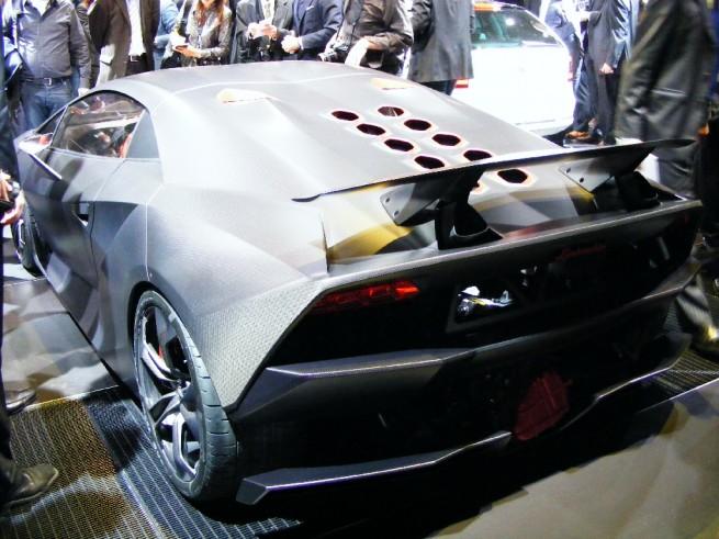 2010 Lamborghini Sesto Elemento Concept Page 2
