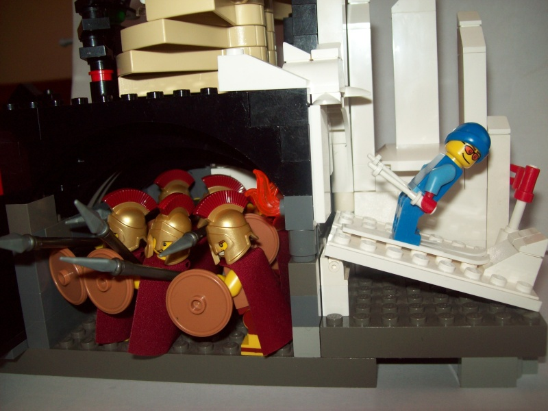 MOCing about with minifigs 104_0112