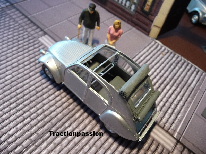 Maquette Heller au 1/43 éme-  2CV type A 1947 P1030014