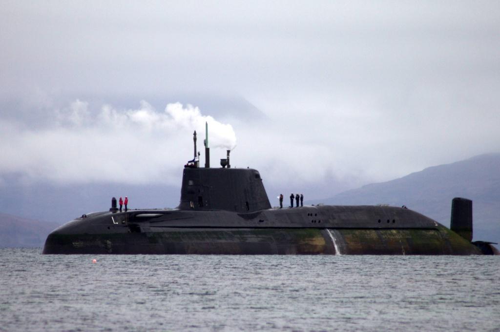 Sous-marin d'attaque HMS ASTUTE Hms20a11