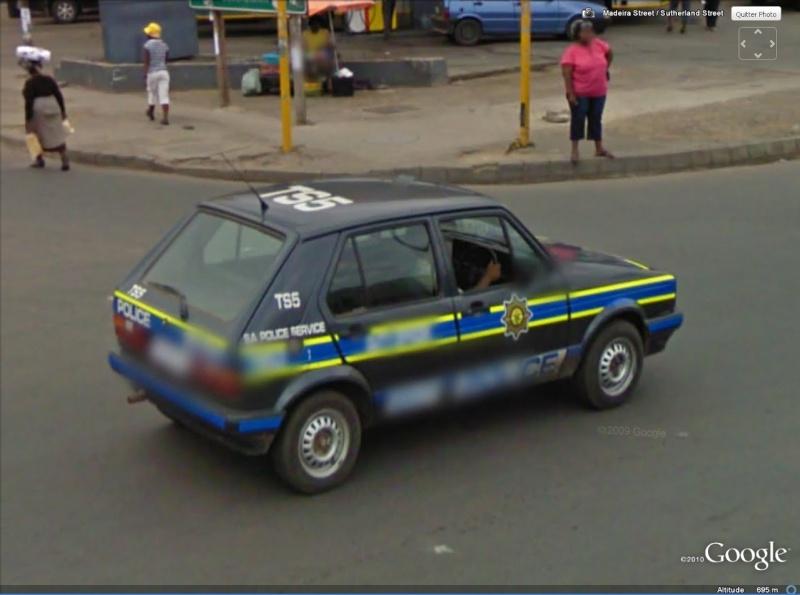 STREET VIEW : véhicules de police du monde - Page 6 Golf10