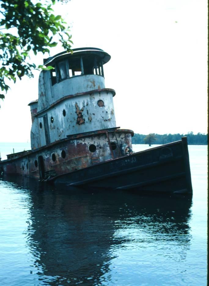 derelict tugboat  Tug-we15