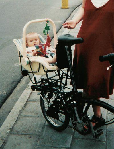 Baby-mee sur un Brompton Baby-m10