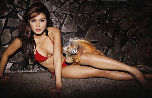 """Chân dài Philippine mặc bikini """"vui đùa"""" cùng trăn, rắn 12868512"""