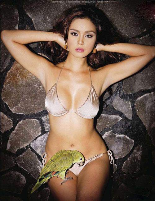 """Chân dài Philippine mặc bikini """"vui đùa"""" cùng trăn, rắn 12868514"""