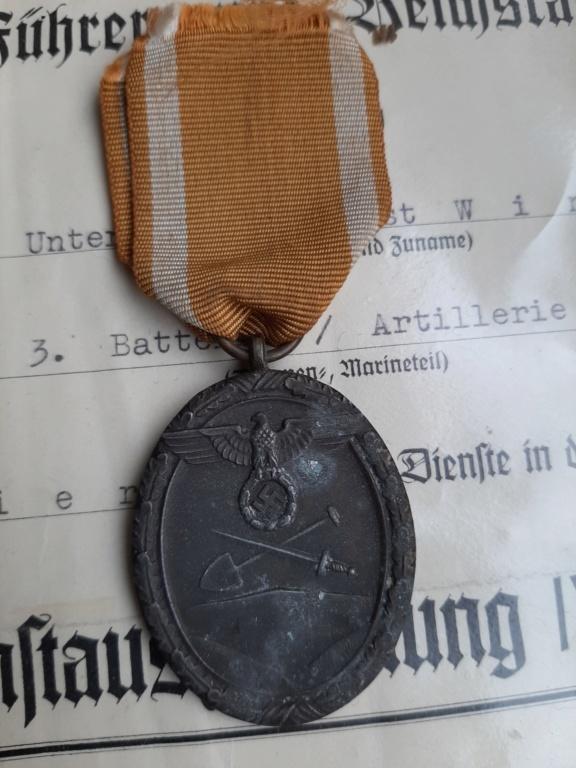 Wehrmacht Dienstauszeichnung IV./Ostmedaille/Schutzwall-Ehrenzeichen 20200226