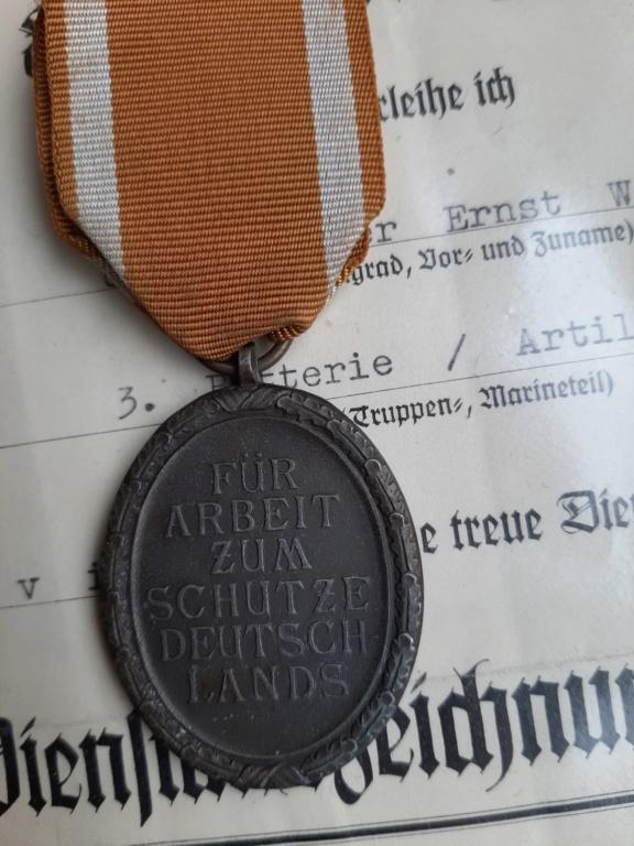 Wehrmacht Dienstauszeichnung IV./Ostmedaille/Schutzwall-Ehrenzeichen 20200228