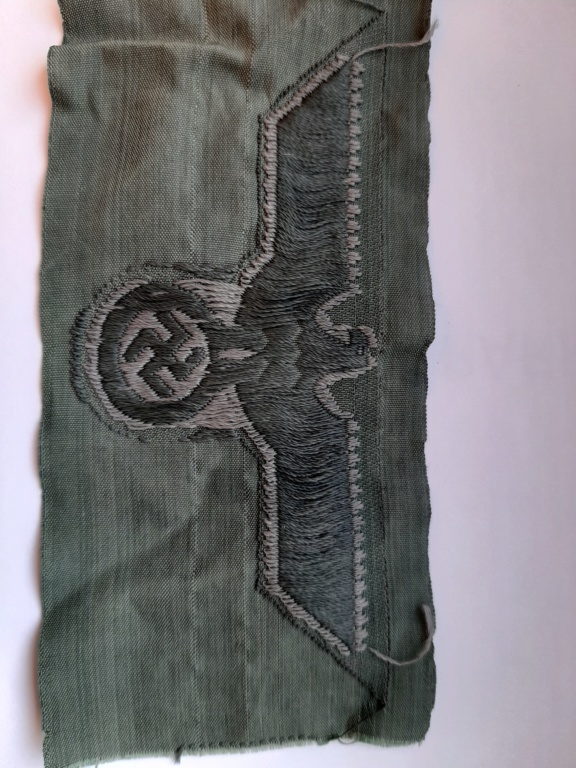 insigne national / HEER/ pour tenue vert roseau 20200253