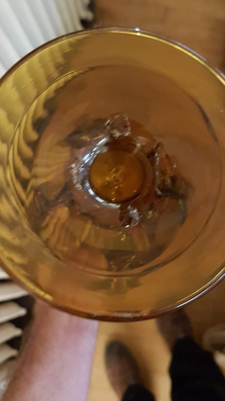 ID please strange glass Screen12